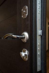 Как передать квартиру в собственность родственнику